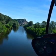 Château de Beynac en vue... survol de la Dordogne