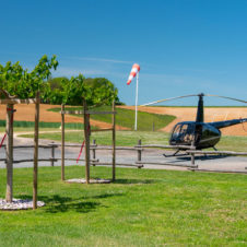 Hélicoptère R44 vu du Club House